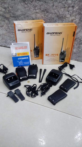 Radio Comunicador Walk Talk Baofeng BF-777s + fone