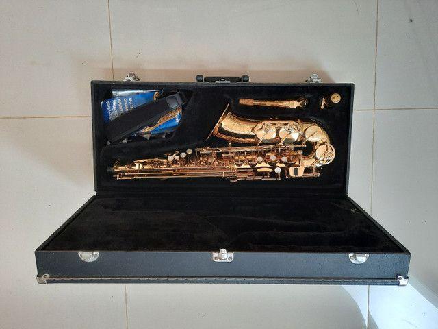 Saxofone Alto Jupter Jas 567 - Foto 2