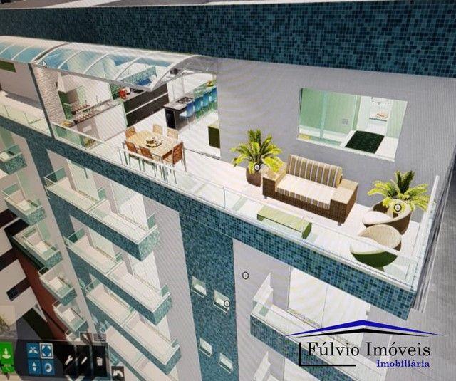 Esplendido apartamento com elevador, excelente condomínio, fino acabamento com porcelanato
