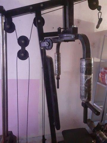 Vendo máquina de musculação