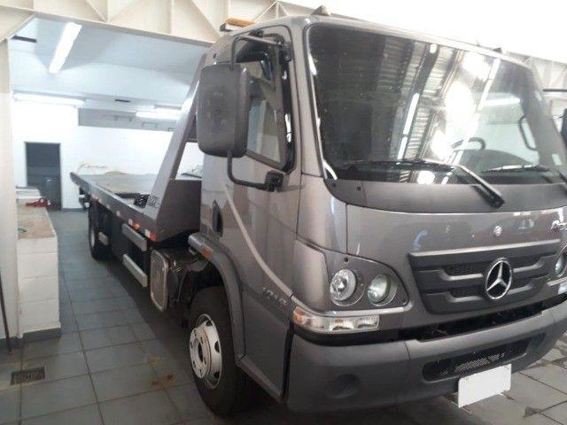 caminhão mb 1016, 2019, guincho plataforma, com 16.000 km.  - Foto 3