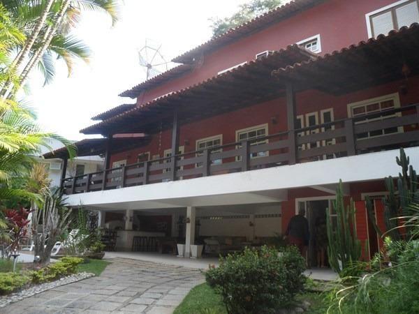 Condomínio, Itaipu, 4 Quartos, 2 suítes, 400 metros de construção, casarão