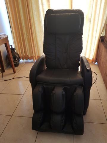 Vendo cadeira de massagem polishop