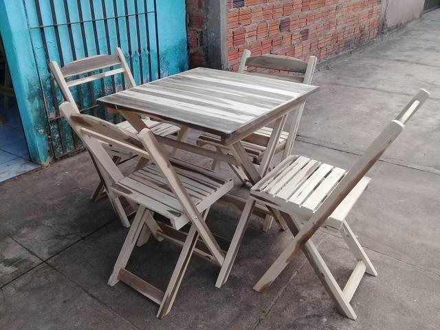Mesa madeira dobrável 70x70 4 cadeiras - Foto 2