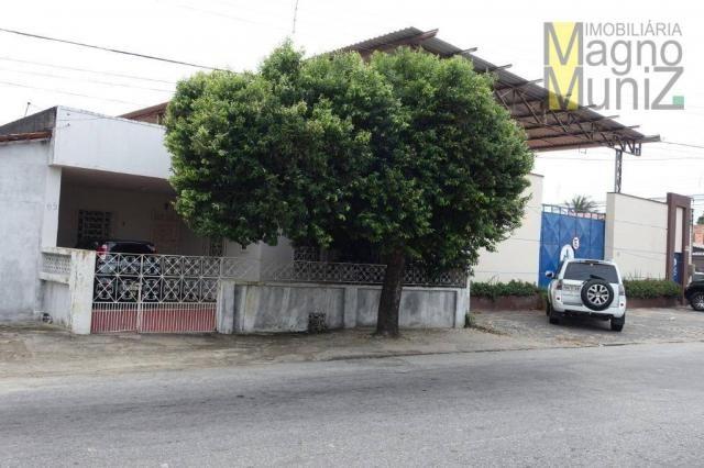Excelente casa com ótima localização, situada á poucos metros do aeroporto.