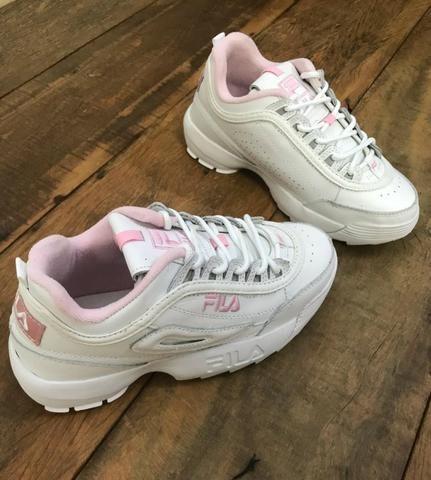 7730085ae4f Tênis Fila Disruptor Branco c  Rosa - Loja LCS - Roupas e calçados ...