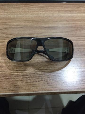e526de268 Vendo óculos de sol original da Giorgio Armani com lente polarizada ...