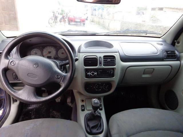 Renault Clio 1.0 Sedan - 2005 - Foto 6