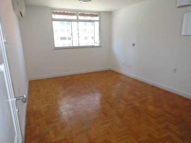 AP0303 - Apartamento com 3 dormitórios à venda, 108 m² por R$ 300.000 - Papicu - Foto 5