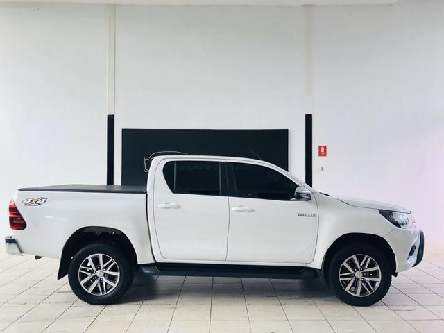 Toyota Hilux diesel 2018 impecável - Aceitamos troca e financiamos! - Foto 6