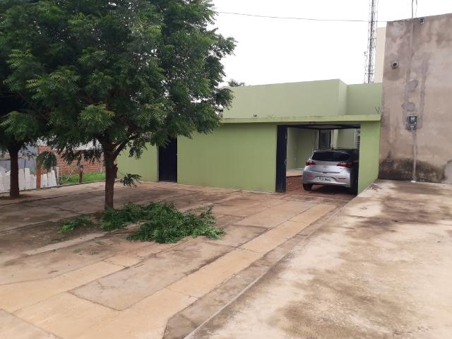Vende-se ótima casa no bairro DNER, 3 quartos, 3 banheiros. ótimo preço 200 mil