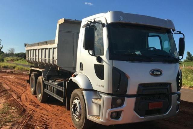 Cargo 2428 caçamba 11/12