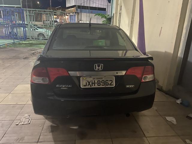 Vendo ou troco Honda Civic já financiado - Foto 5