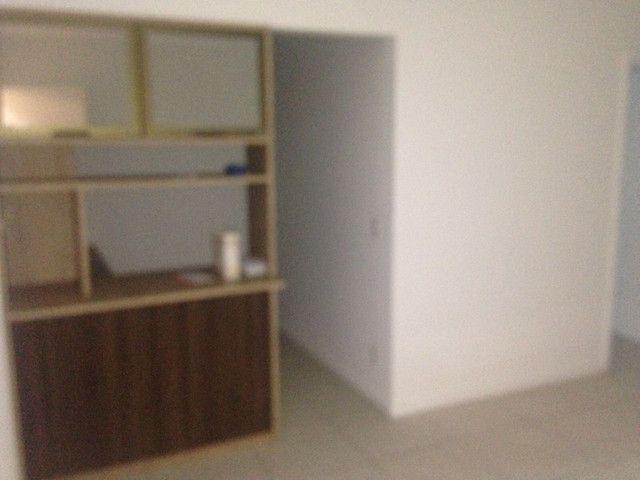Bom apto de 03 quartos (01 reversível) no Alto da Glória - Foto 5