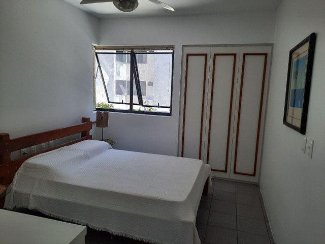 04 quartos sendo 2 suites quadra da praia de ponta verde - Foto 6