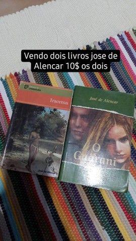 Vendo 2 livros jose de Alencar