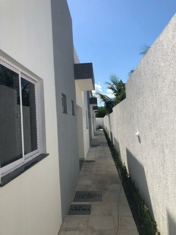 Casa soltas, em condomínio fechado com piscina + área gourmet! - Foto 3