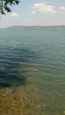 Areá ruaral as margens do lago a 19km da JK
