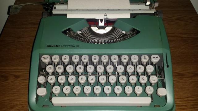 Máquina de escrever Olivetti