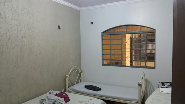Casa simples 2quartos lote 500m2 rua 12 vazado via estrutural - Foto 6