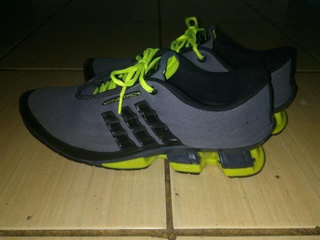 d62c864af43 Tênis Adidas 42 - Roupas e calçados - Vila Nova