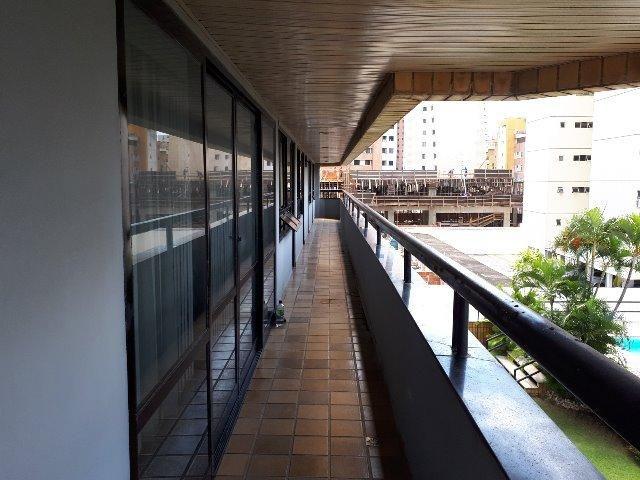 250 m², 3 suítes, gabinete, dependência, 3 vagas - Foto 9