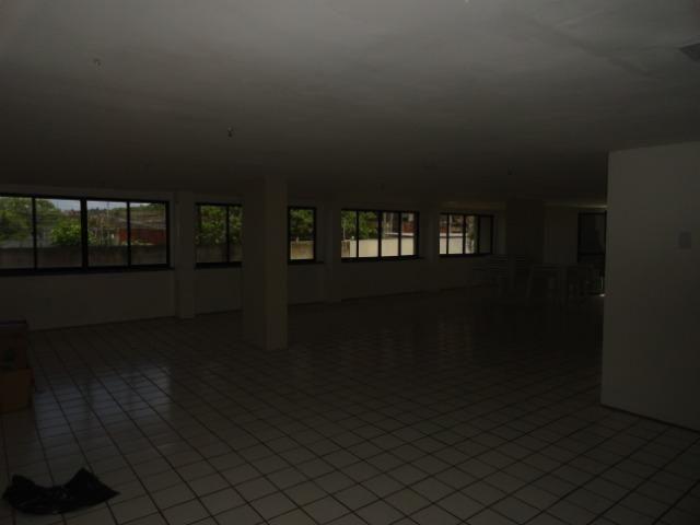 AP0303 - Apartamento com 3 dormitórios à venda, 108 m² por R$ 300.000 - Papicu - Foto 4