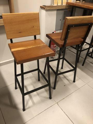 Mesa e bancos de aço e madeira de 4cm