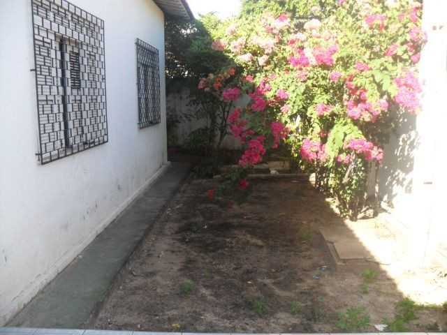 Excelente casa, com 04 quartos no Cambeba - Foto 2