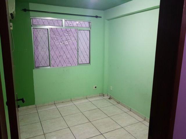 Casa com 4 quatros (3 suítes) / 3 vagas de garagem /terraço com churrasqueira - Foto 14