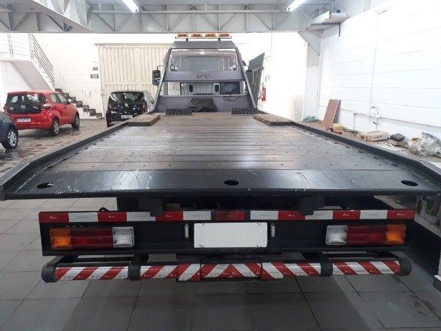 caminhão mb 1016, 2019, guincho plataforma, com 16.000 km.  - Foto 13
