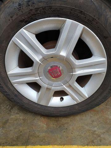 Vendo rodas aro 15 com pneus - Foto 2