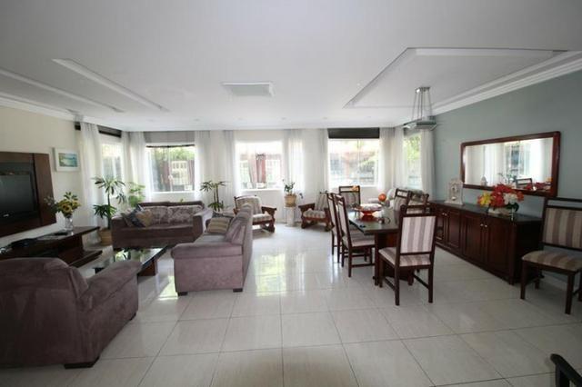 Apartamento alto padrão de frente com 04 quartos mobiliados