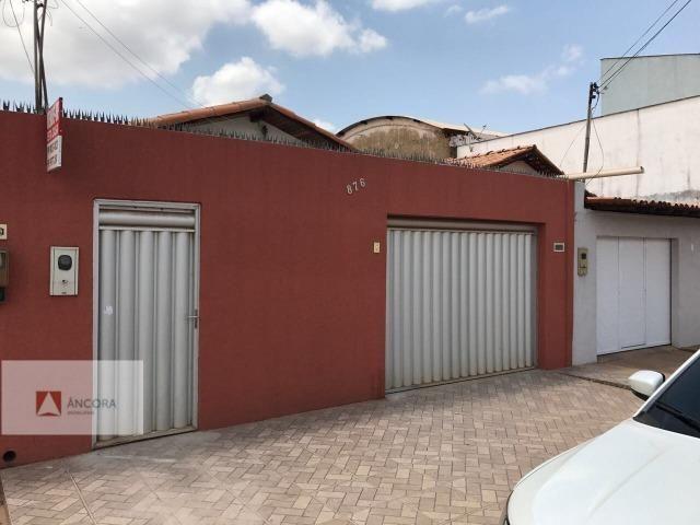 Vendo esta bela casa na entrada da Vila Nova
