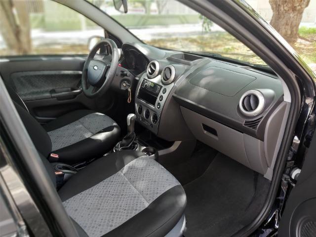 Fiesta Class 1.6 Hatch Completo - Foto 13