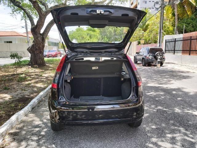 Fiesta Class 1.6 Hatch Completo - Foto 8