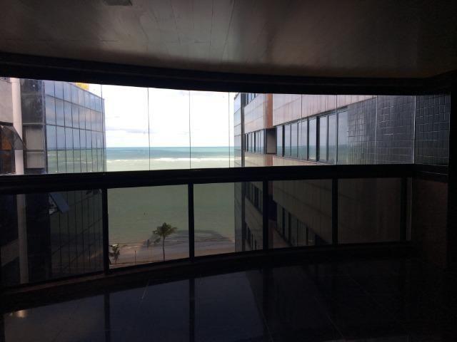 Luxuoso Beira mar com 319 m², 04 suítes, 05 vgs de garagem. Agende uma visita !! - Foto 3