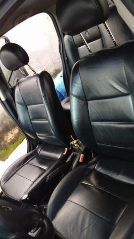 Vendo Astra Hatch 2.0 Completo Ar Direção Super Conservado! - Foto 3