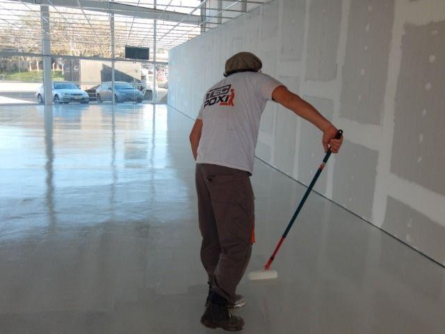 Pintura com resina epóxi para piso - Foto 3