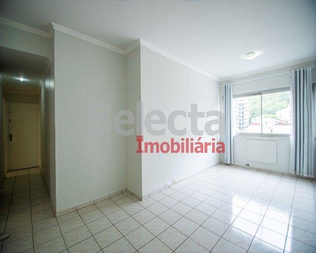 Excelente apartamento reformado na Av. Maracanã com 79m². - Foto 2