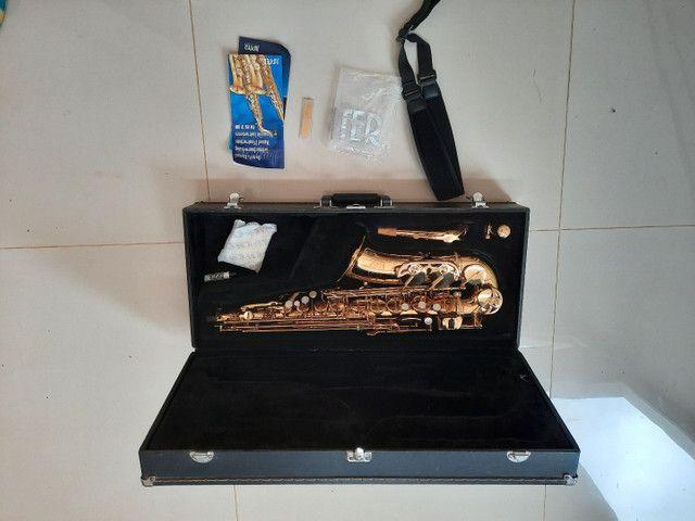 Saxofone Alto Jupter Jas 567 - Foto 3