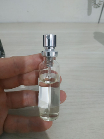 Perfume 212 vip Black (decante) - Foto 3