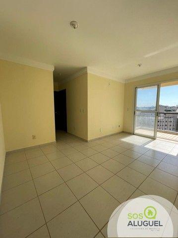 Condomínio Morada do Parque, apartamento 02 quartos sendo 01 suíte.