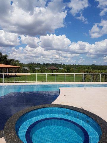 Lote em condomínio (Beira lago Itaipu). - Foto 4