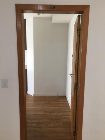 Alugo apartamento de 3 quantos 3 banheiros e duas vagas no bairro Manacás