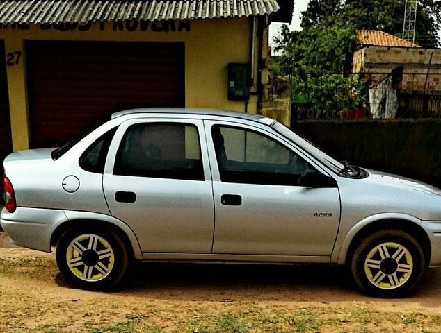 Carro Corsa Clássic 2008