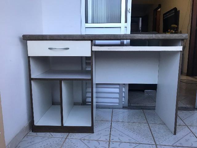 Mesa para escritório/estudos usada em bom estado