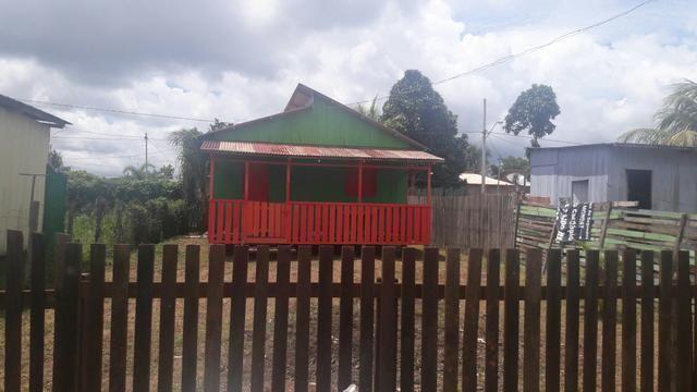 Troco por casa menor casa de madeira dois quarto sala e cozinha e forada terreno10x25