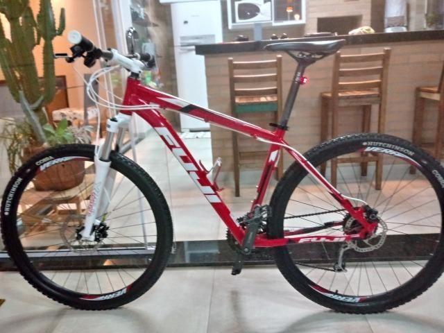 Mountain Bike Fuji (Importada - Americana)