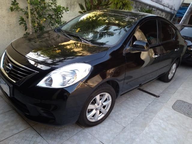 Nissan Versa SL 1.6 16V   2014   Flex   GNV  Preto   Completo